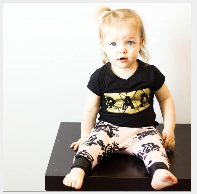 2016 여름 아기 소녀 캐주얼 세트 아이 블랙 짧은 소매 티셔츠 탑 + 핑크 인쇄 하렘 바지 2 개 세트 어린이 의상 귀여운 여자 정장