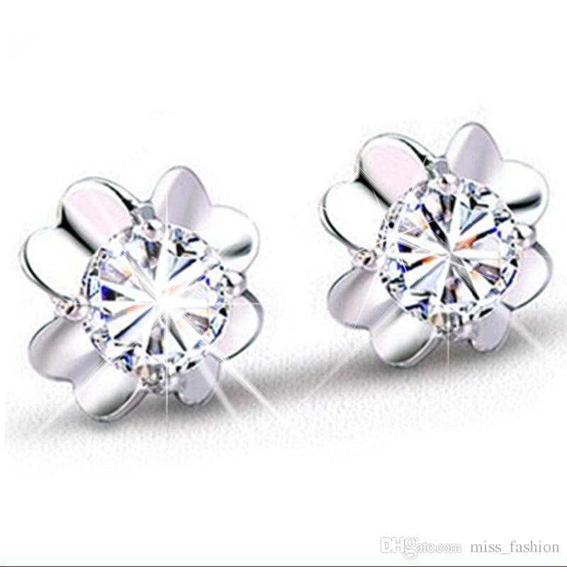 뜨거운 도매 은색 여자 귀걸이 로맨틱 한 매력 간단한 크리스탈 순수하고 맑은 클로버 귀걸이 925 순은 보석