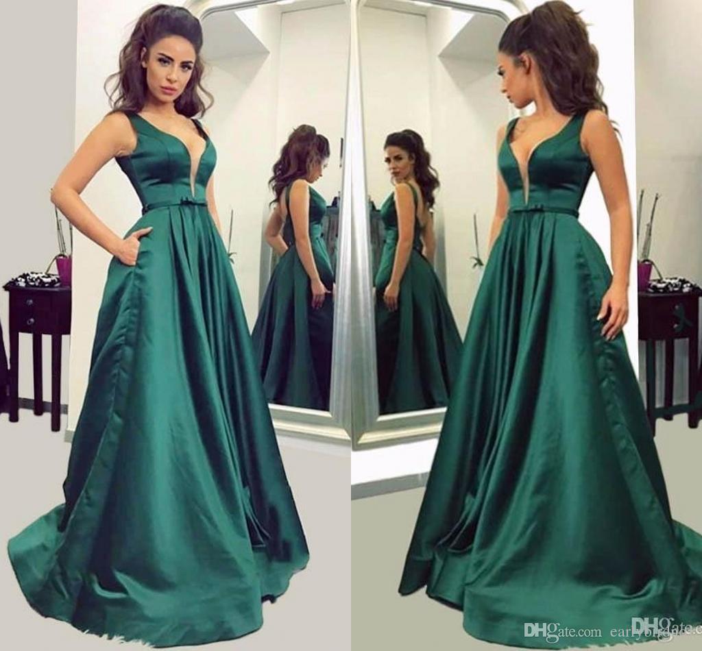 Compre 2018 Elegante Verde Oscuro Una Línea De Vestidos De Noche Con Cuello En V Vestidos Largos De Fiesta Con Bolsillos Satinados Simples Vestidos