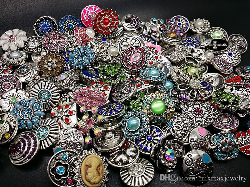 commercio all'ingrosso 100pcs / lot disegni assortiti della miscela argento antico schiocco 18mm bottoni dei fascini di DIY Rhinestone brandnew