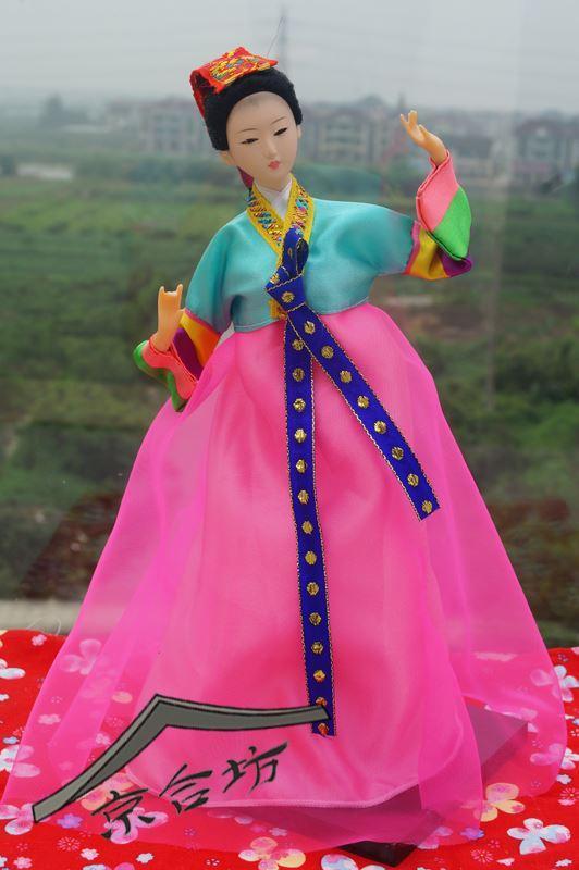 Artigianato etnico coreano persone, bambole costume costume hanbok stile folk costume