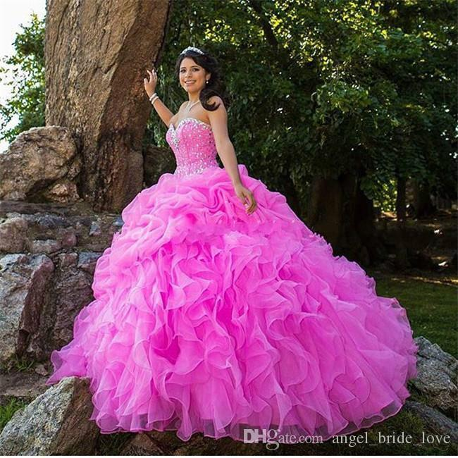 2017 New Sexy Sweetheart Quinceanera Dresses Ball Gowns With Beads Crystals Lace Up Sweet 16 Dresses 15 Year Prom Gowns QS1092