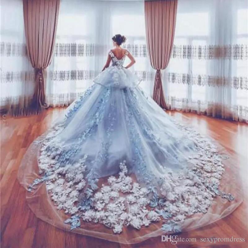 Discount Amazing 3D Appliques Wedding Dresses