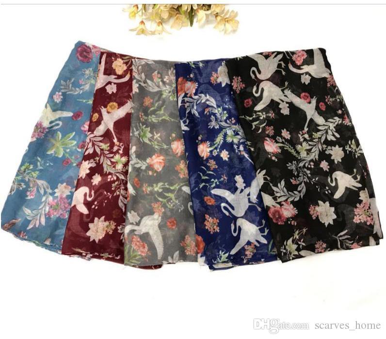2017 New Design Retro Flower Flamingo Print Voile Cotton Infinity Scarf Fashion Circle Scarf Large Size Long Scaves Women Infinity Scarfs