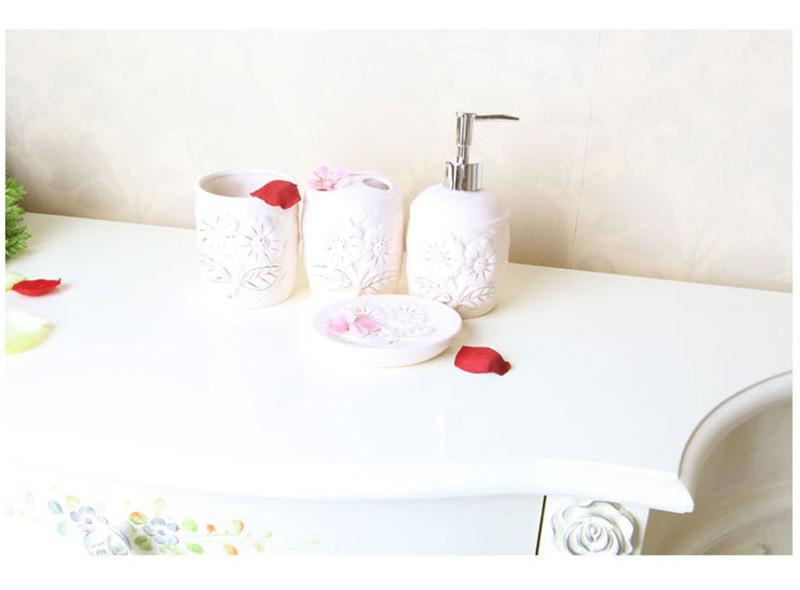 bathroom set (2)