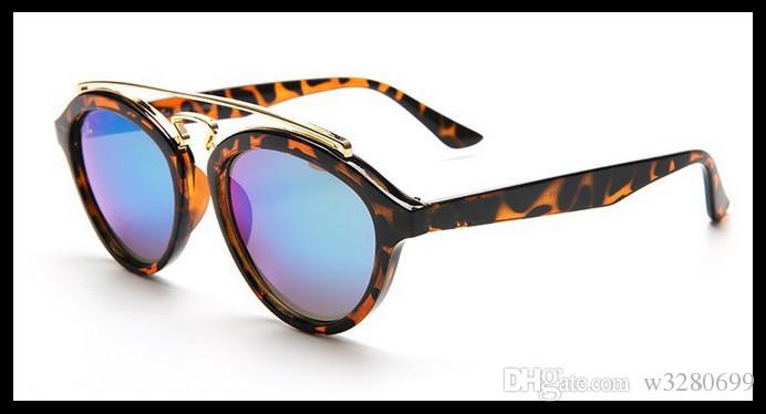 2017 yılında şirket, yeni tip erkek ve kadın yuvarlak ve modaya uygun güneş gözlüklerini ve rahat dokunmatik ekran kalitesini destekledi.
