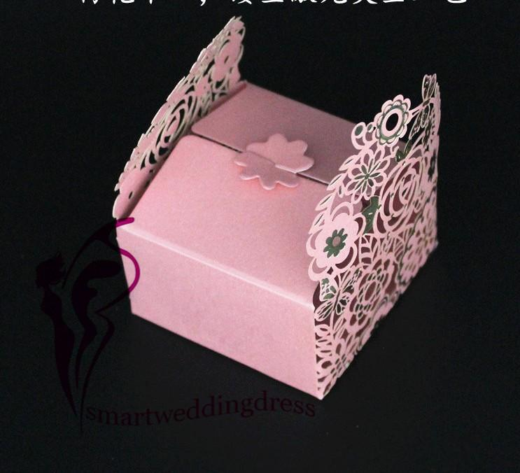 2017 new style hollow flowers wedding decorations party candy box how can your favors are sent out without white gift boxes maybe the wedding money box are as important as the favors themselves good gift card holder can solutioingenieria Image collections