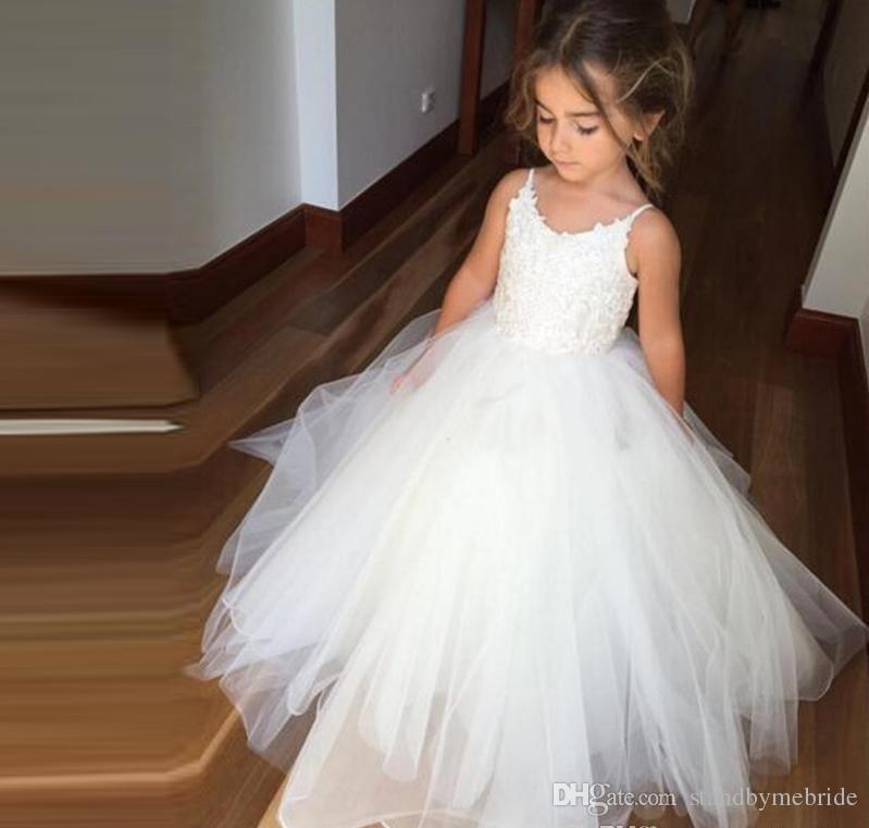 2018 New Lovely White Lace Flower Girl Dresses Puffy Tulle First Communion Dress For Girls Spaghetti For Wedding Party Wear