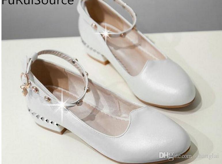 Primavera de cabeça redonda com tamanho pequeno para sapatos femininos em diamantes grossos baixo derretimento com jardas de festa único FuRuiSour