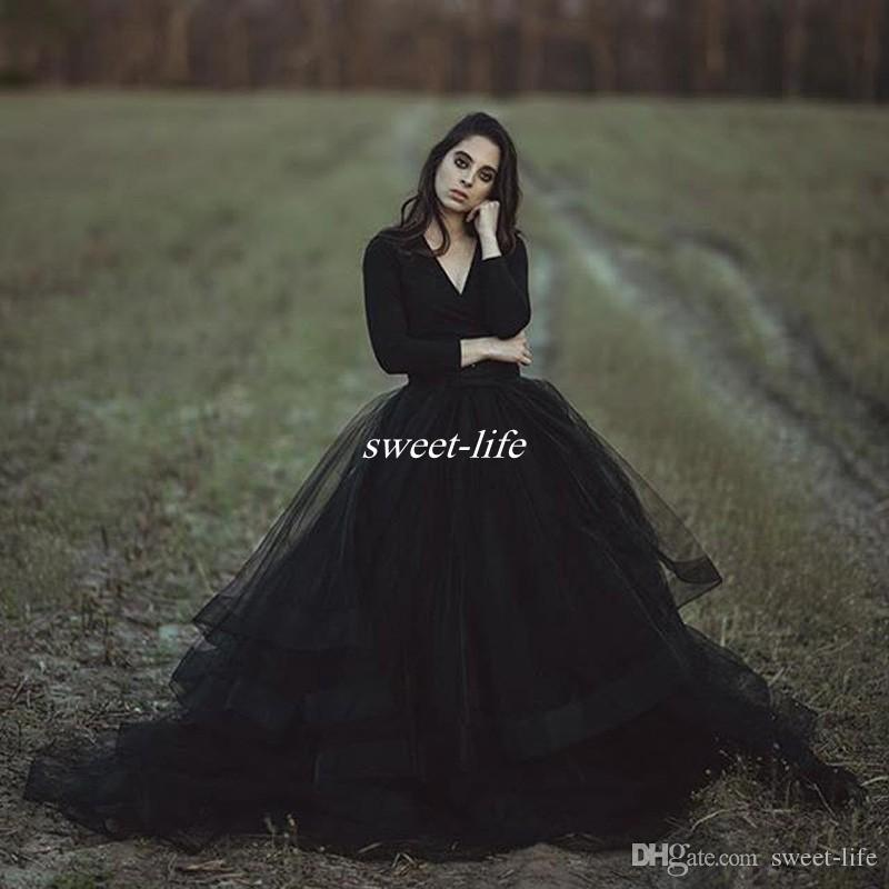 Modest Black Country Wedding Dresses Ball Gown V Neck Long Sleeve Puffy Tutu 2019 Cheap Simple Gothic Bridal Garden Outdoor Wedding Gowns
