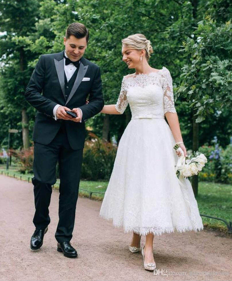 Ankle Length Boat Neck Lace Wedding Dresses Half Sleeve Vintage Wedding Gowns Modern Country Bride Dresses Short robe de mariee 2019