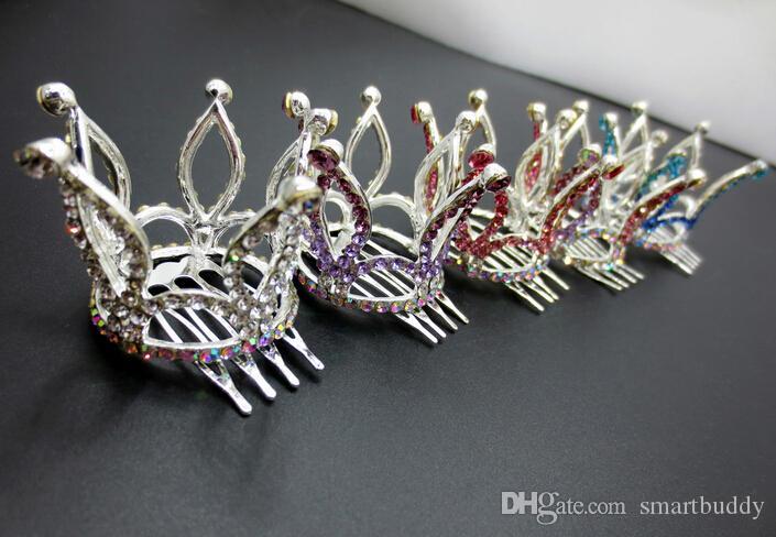 Capelli fini Gioielli nuovi ornamenti per capelli per capelli moda diamante corona capelli pettini pettini produttori all'ingrosso di origine tornante
