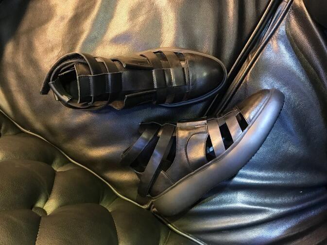 Caviglia nera Short Gladiatori Tacchi piatti in vera pelle tagliati da uomo Sandalias Strappy Mocassini Zapatillas Roma Sandali per il tempo libero