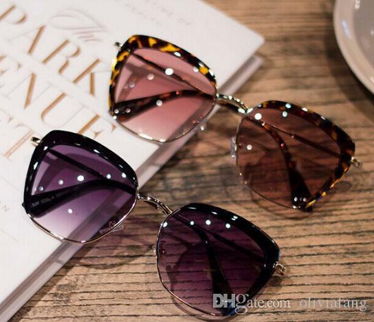 ÇOK GÜZEL ! 2017 SUNGLASSES Hafif kadın Klasik Vintage Sunglass UV400 Koruma Degrade Lens Gözlükler Gözlük