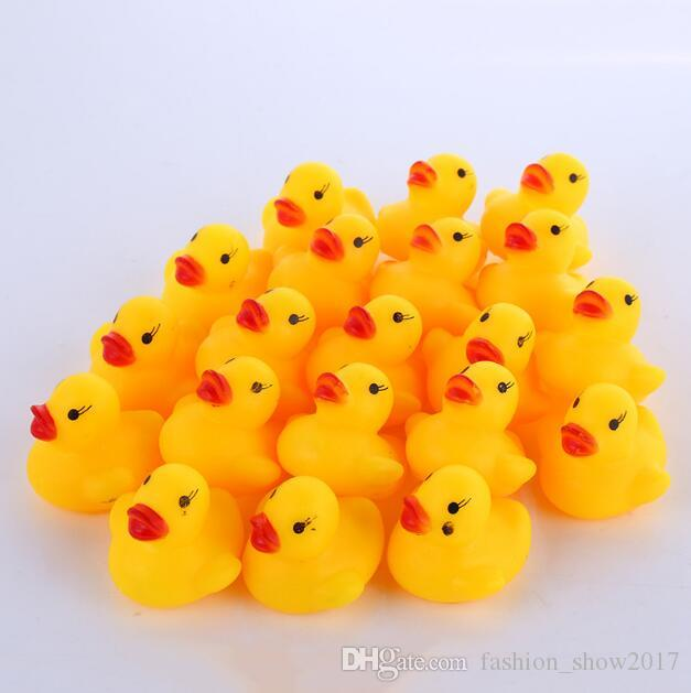 Baby Bath Toys Baby Kid Cute Bath Patitos de goma Niños Squeaky Ducky Water Play Toy Classic Bathing Duck Toy