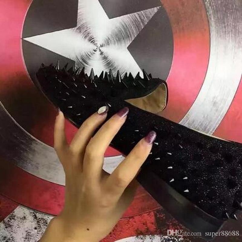2017 Fashion Brand New Nero In Pelle Scamosciata Fondo Rosso Uomini Glitter Spikes Scarpe Mocassini Slip-on Wedding Men Dress Shoes taglia 35-46