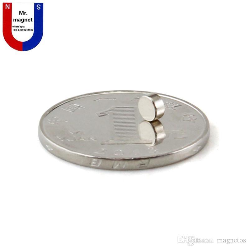 300 pz vendita calda piccolo disco 4x2 4 * 2mm magnete permanente D4x2mm terre rare magnete 4mm x 2mm 4 * 2 magnete al neodimio NdFeb 4x2mm spedizione gratuita