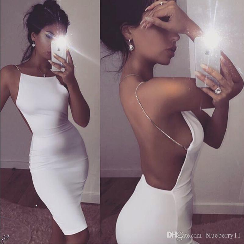 Venta caliente vestido sexy 2 colores sólidos negro blanco vestidos de verano slash cuello cadena de lentejuelas longitud de la rodilla bodycon vestido sin espalda envío gratis