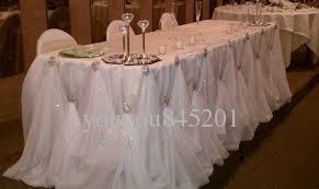 10ft L * 30 Pouces H Nouveau Design De Luxe Diamant Perle Broche De La Glace De La Soie Table Jupe De Table Pour Le Décor De Mariage
