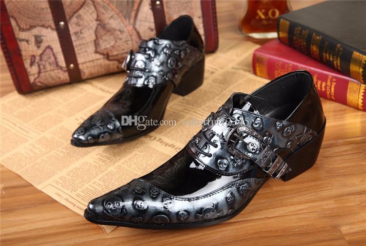 Zapatos formal de la manera de los nuevos hombres de cuero genuino zapatos del cráneo Negro de pisos hombres zapatos de los oxfords