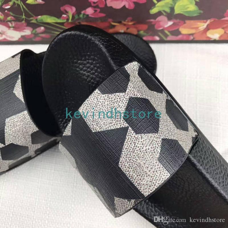 Nouvel été modèle haut de gamme et pantoufles de qualité supérieure pour hommes et femmes. Pantoufles à fond plat.