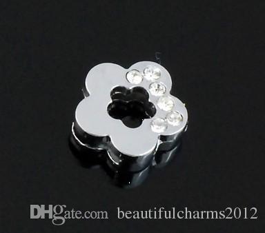 Wholesale 8mm 100ピース/ロットハーフラインストーン梅の花のスライドレターDIYチャームアクセサリー8mmレザーリストバンドキーチェーン