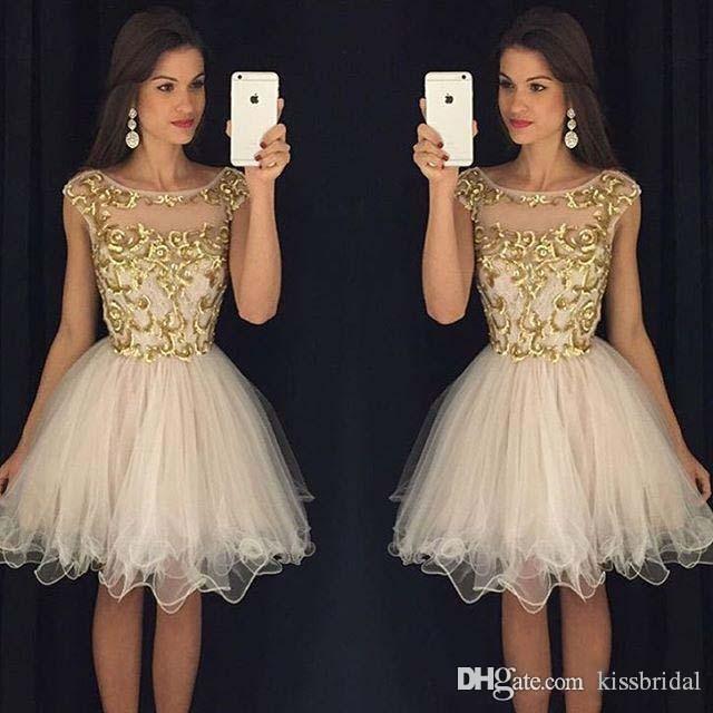 Ny cocktail klänning kort applique billigt guld prom party dress juvel nacke cap ärm blixtlås tillbaka homecoming klänningar