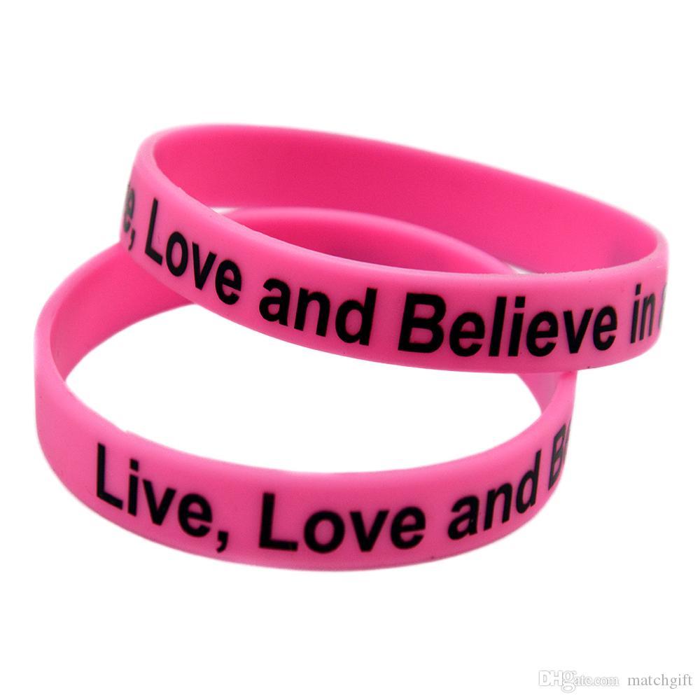 100 pcs amor ao vivo e acredita em uma cura pulseira de silicone impresso logotipo motivacional tamanho adulto rosa