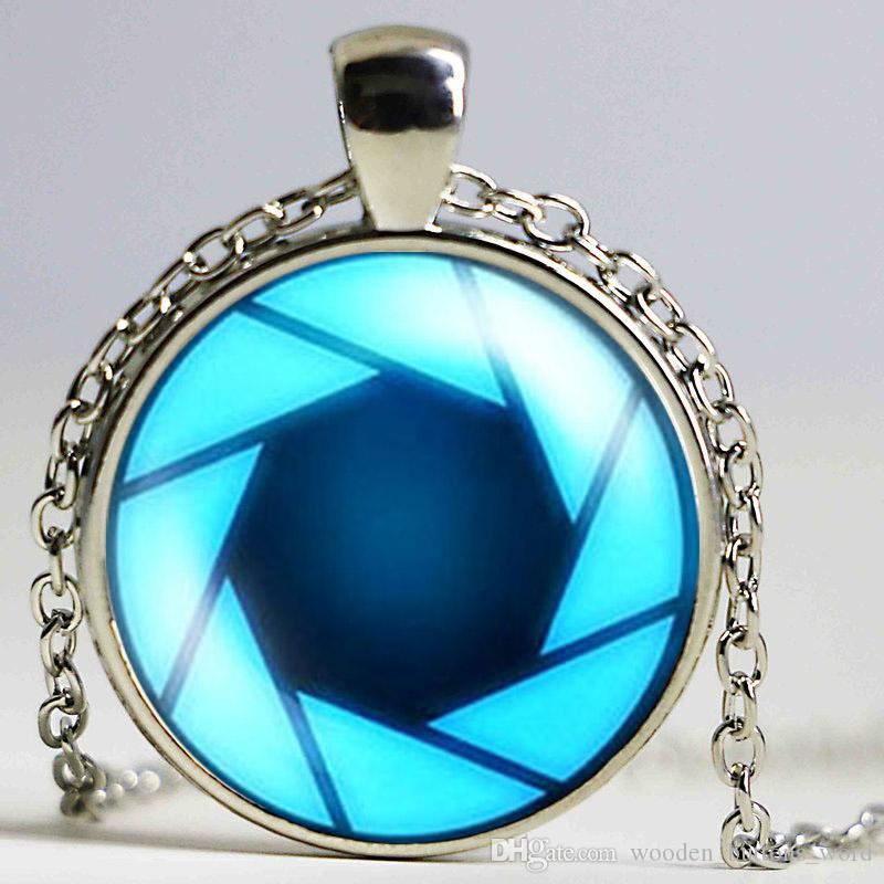 US Movie Iron Man Arc Reactor Necklace Tony Stark 1pcslot bronze silver chain Pendant Avengers Age of Ultron jewelry dr who men