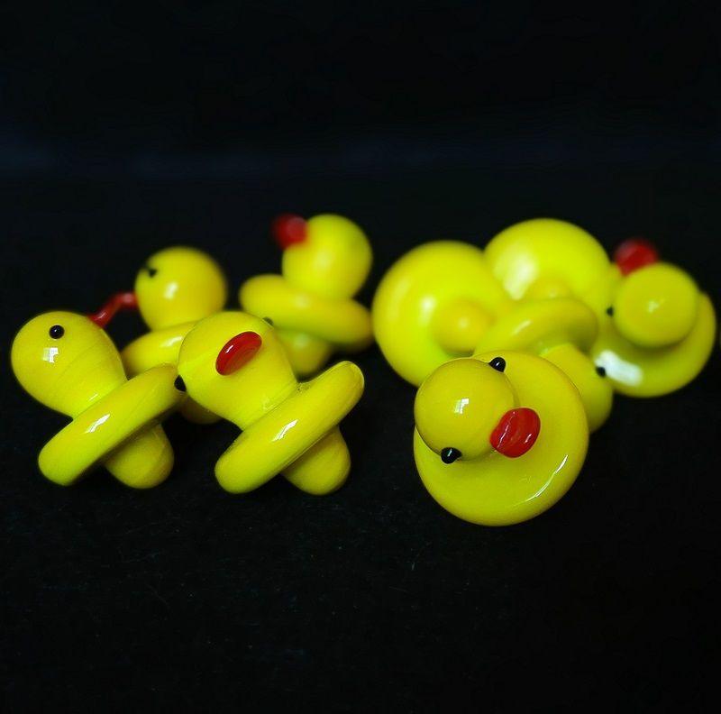 All'ingrosso Duck UFO Carb Cap solido vetro colorato giallo anatra cupola 24mm per 4mm Thermal P Quartz banger Nails tubo dell'acqua bong in magazzino