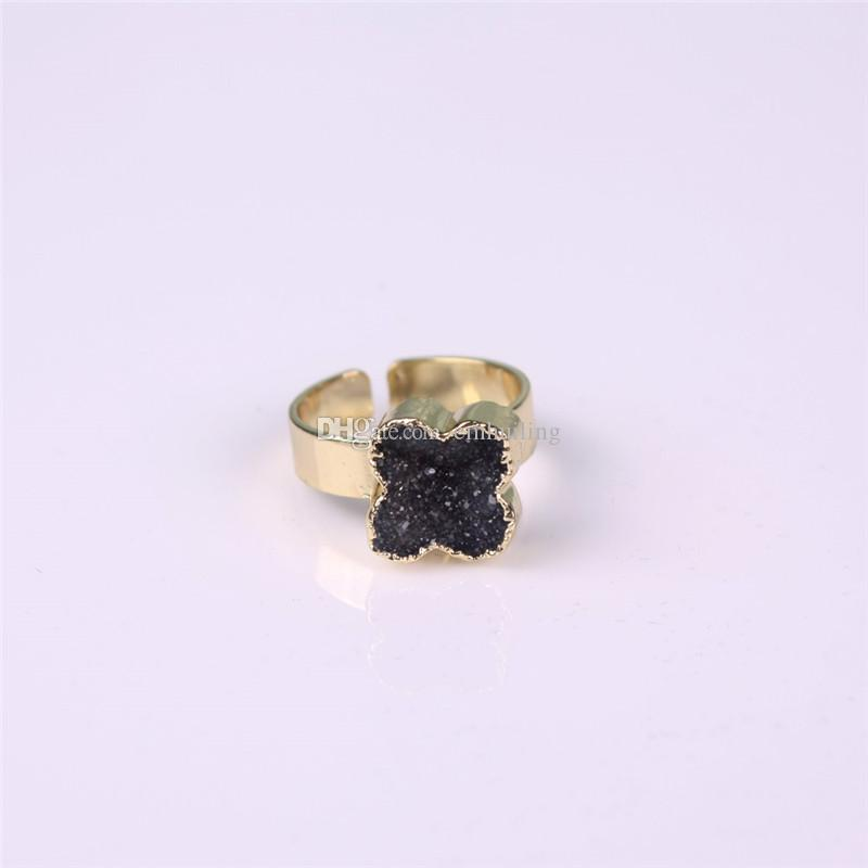 Pietra naturale Druzy Vug Crystals Ring Forma di fiore esclusiva Black Raw Drusy Cluster Regolabile Reiki Gemstone Finger Rings Golden Unisex
