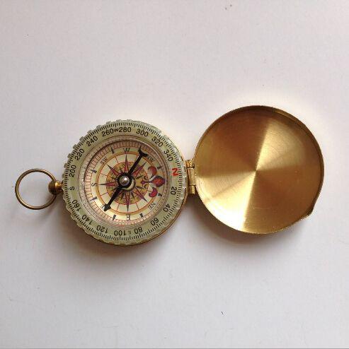 Niedrigster Preis 120pcs empfindliche Messing-Taschen-im Freien kampierender Kompassgroßhandelsgoldene klassische Antike