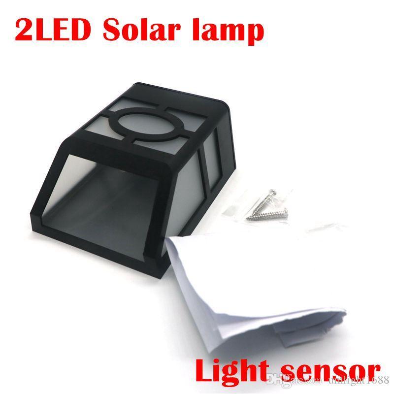 Solarbetriebene Wandhalterung 2LEDs Laterne führte Solarlicht im Freien Landschaftsgartenlicht-Solarlampe Gehweg-Park-Weg