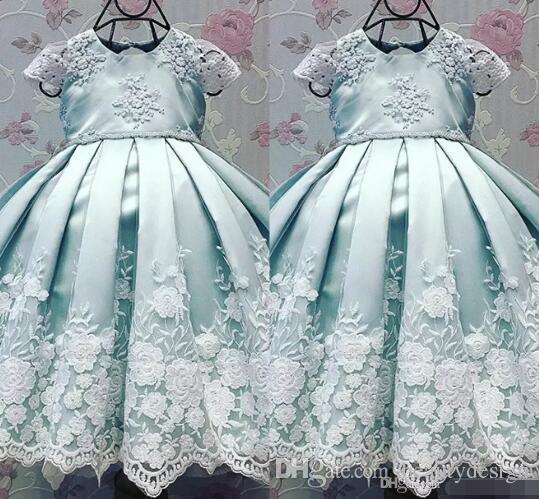 Baby Blue First Communion Dresses With Cap Sleeve 2017 Lovely Ball Gown Birthdays Party Dresses For Kids with Appliques Pageant Dresses