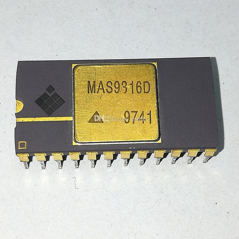 MAS9316D. MAS9316, superficie dorata IC. Circuiti integrati per convertitori DAC 16-BIT / chip per pacchetti ceramici dual in-line a 24 pin. AUCDIP24