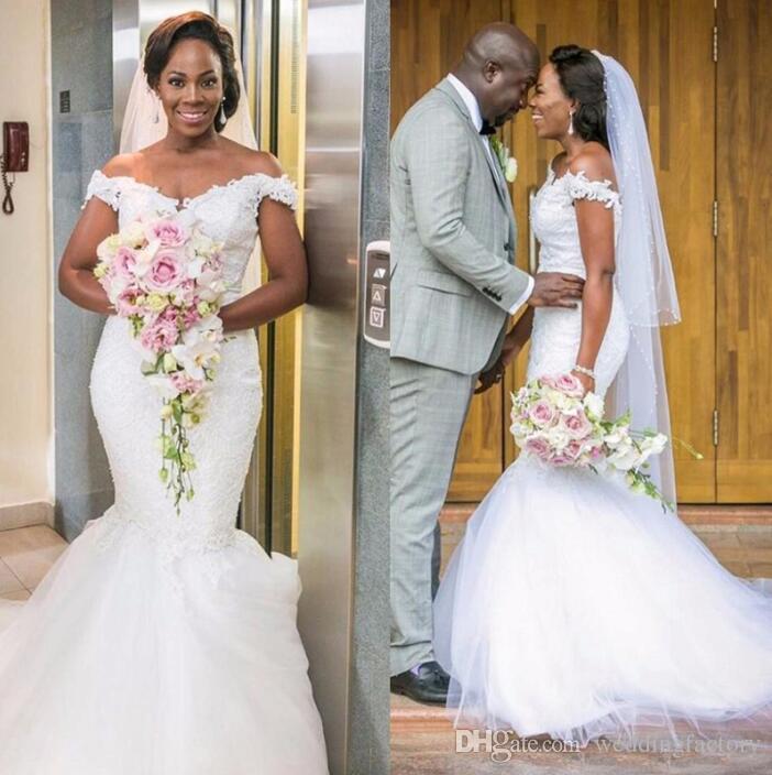 Precioso fuera del hombro Vestido de novia de la sirena Árabe apliques de encaje africano Tulle trompeta vestidos de novia por encargo