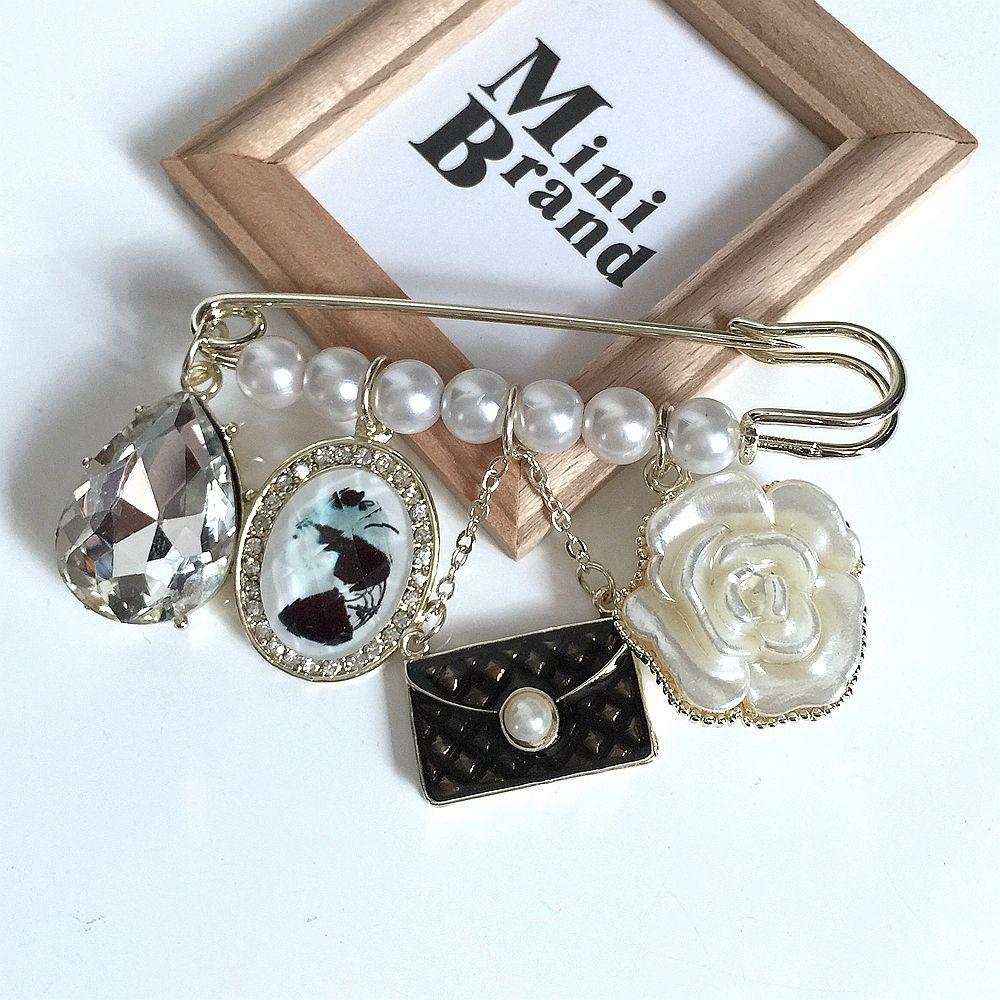 Vente en gros-Livraison gratuite mignon élégant Lady européenne Broches beauté fleur imitation perle perles or broche broche accessoires