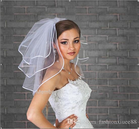 2018 velos de novia corto de tres capas con el borde de la cinta Con peine libre velos blancos de novia Accesorios de boda