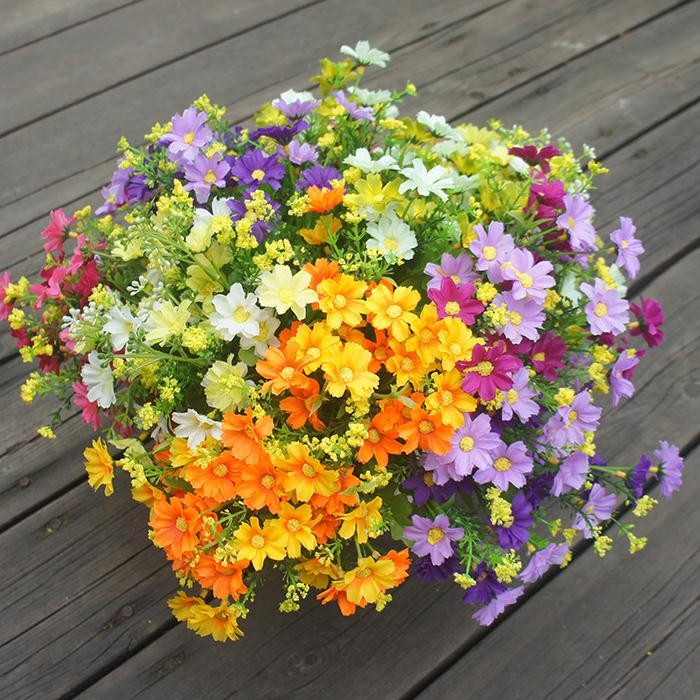 도매 - 7 지점 / 꽃다발 28 머리 귀여운 실크 데이지 인공 장식 꽃 결혼식 꽃 꽃다발 홈 룸 테이블 장식