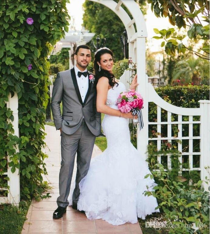 Açık Gri Düğün Erkekler Suits Damat takımları Smokin Groomsmen Suit custom made Bir Düğme Resmi Iş takım elbise (ceket + pantolon)