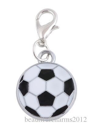 20pcs / lot 17x17mm Sport Football Pendentif Flottant Charms Avec Homard Fermoir Fit pour Chaîne Médaillon Collier Bracelet Fabrication