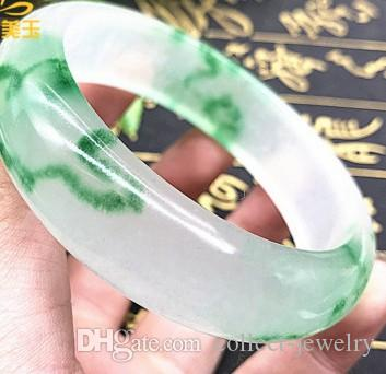 Paar Junoesque of Chinese Green Jade Bangle