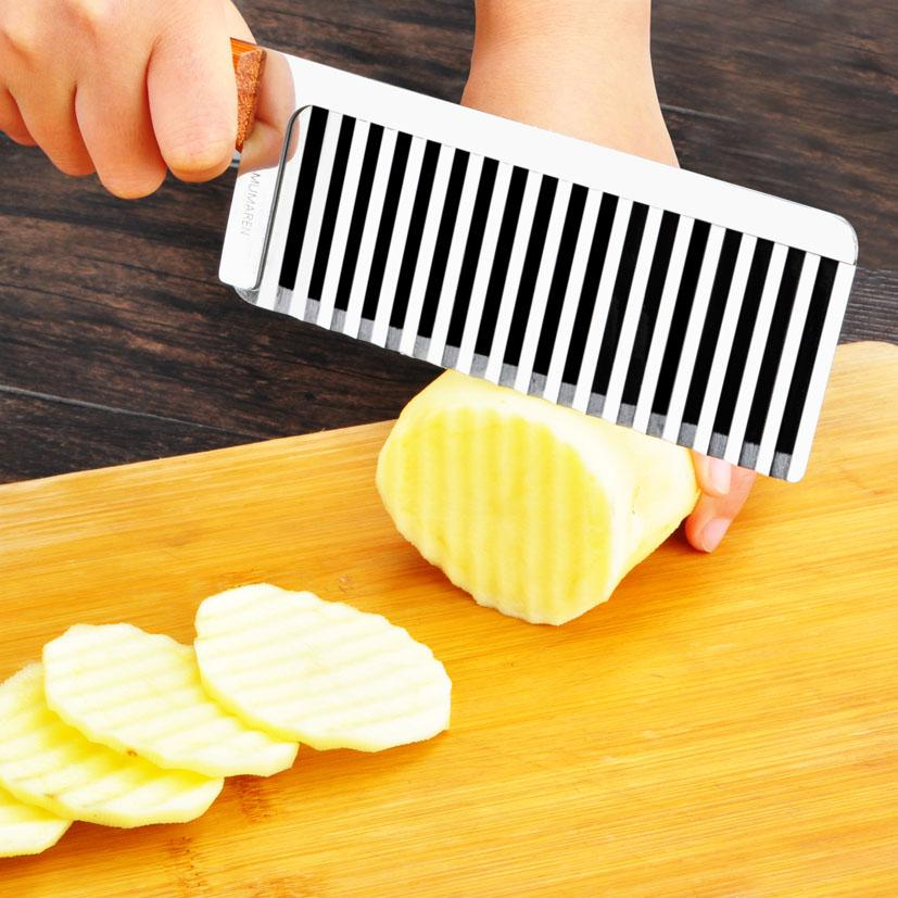 Wholesale- Wooden handle Potato corrugated Shredders Slicers French style wave knife Crinkle Cutter Wax Vegetable Soap Wavy Cutter