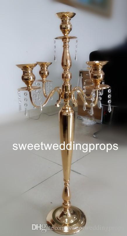nessun fiore compreso) Design di moda metallo 5 braccia candelabri placcato oro / centrotavola da sposa con perline di cristallo in vendita