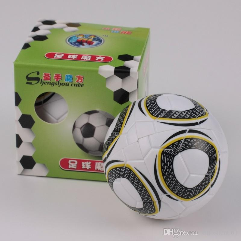 Бесплатная доставка мм shengshou 2x2x2 футбол Магический куб головоломки симпатичные кубики Кубо Магик скорость головоломки классические развивающие игрушки
