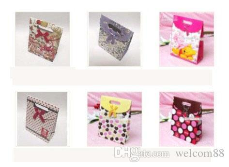 Mischungs-Art-Papier-Geschenk-Beutel des Geschenk-12pcs / lot sackt Geschenk-Paket für Art- und Weiseschmucksachen Gfit freies Verschiffen PA1 ein
