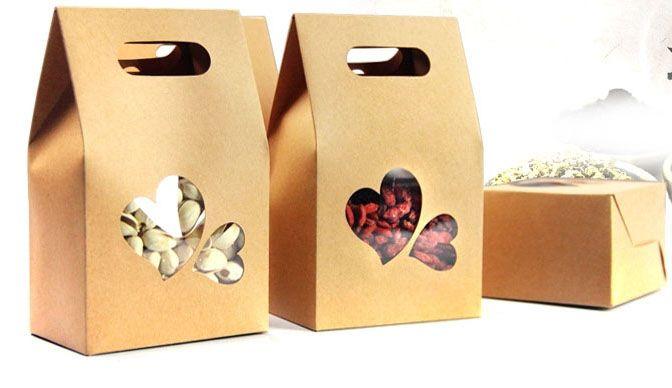 كيس ورق الكرافت / مربع مع نافذة شفافة على شكل قلب + التعامل مع كيس الغذاء / هدية مربع forcorn / الشاي / المكسرات / ملفات تعريف الارتباط 10 * 15.5cm مصغرة النظام: 50pcs