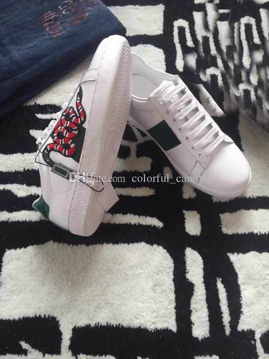 2017 Yeni Moda Tasarımcısı Lüks beyaz Deri yılan Çiçek Işlemeli Düz düşük yardım ayakkabı severler snomens için Mens Womens 35-45