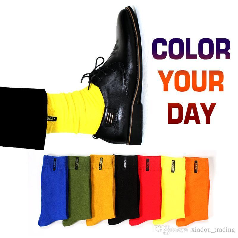 Оптовая Мужской мода носки хлопок сплошного цвет Бизнес носки для Людей Британского стиля разноцветных недель носков для мужчин платья