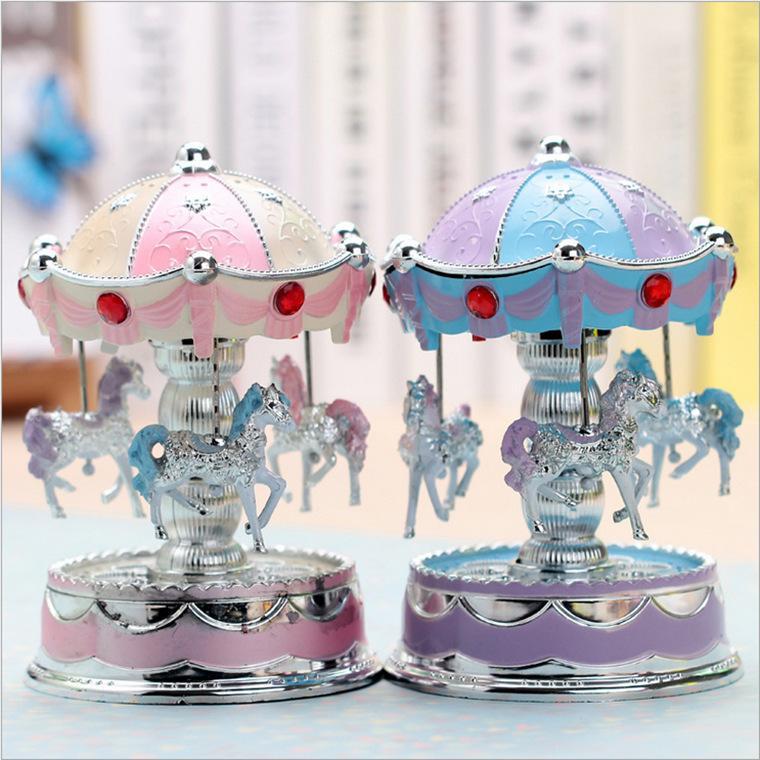 Caixa de música de caixa de música carrossel flash Mobiliário Doméstico criativo artesanato ornamentos estudante pequeno presente atacado